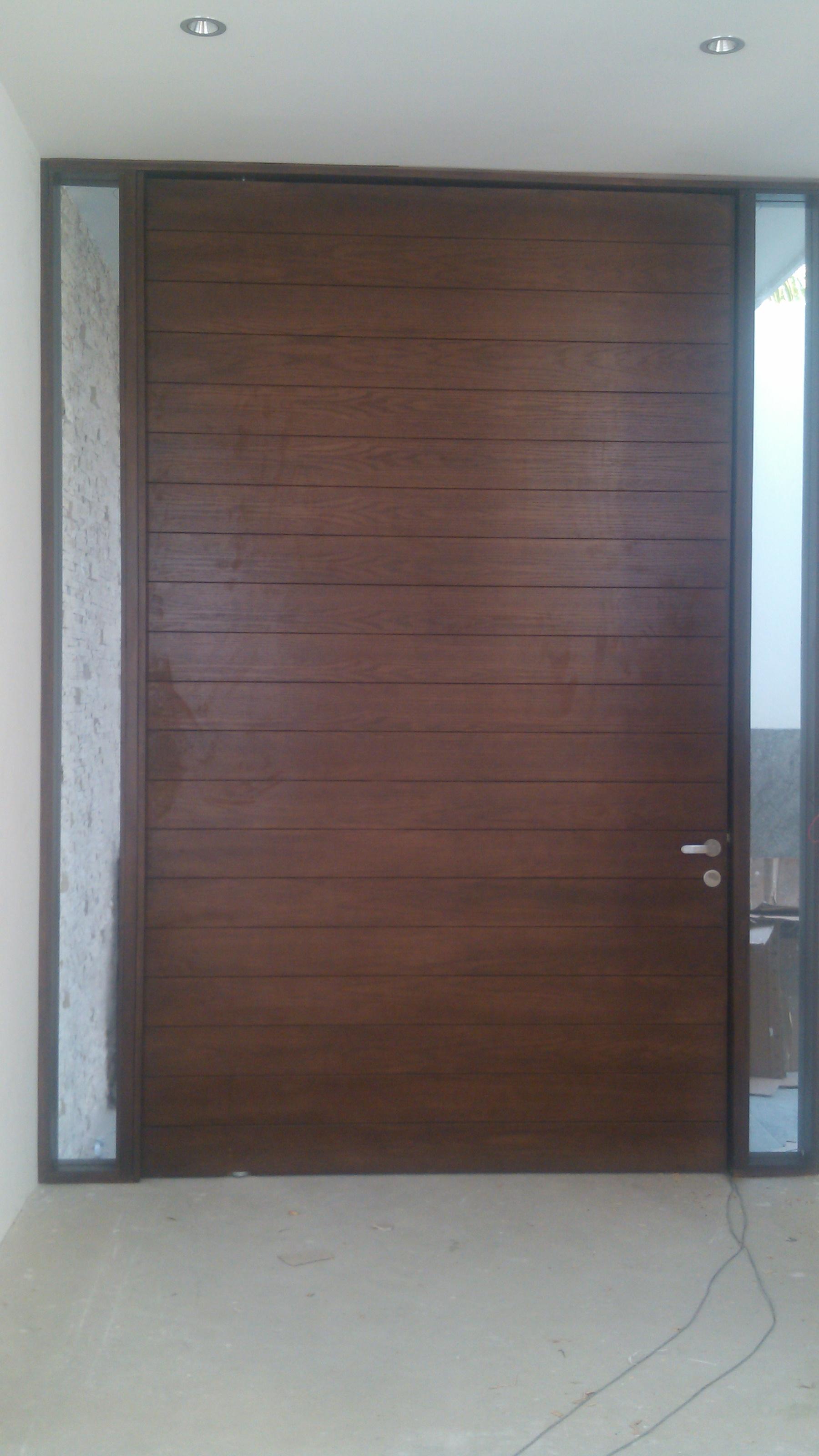 Grupodumex for Puertas principales minimalistas de madera