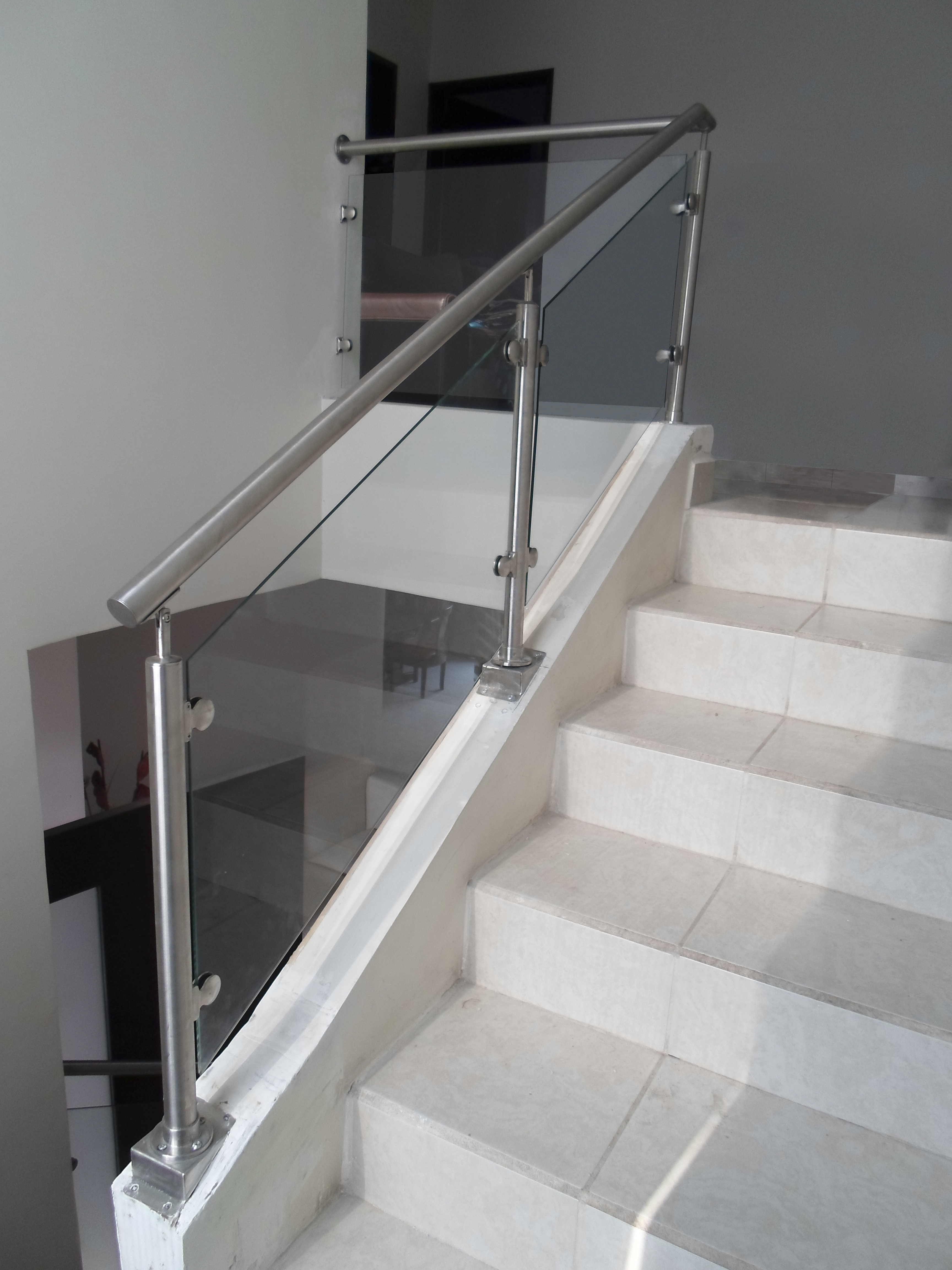 Pin barandales cristal templado genuardis portal on pinterest - Barandales de escaleras ...