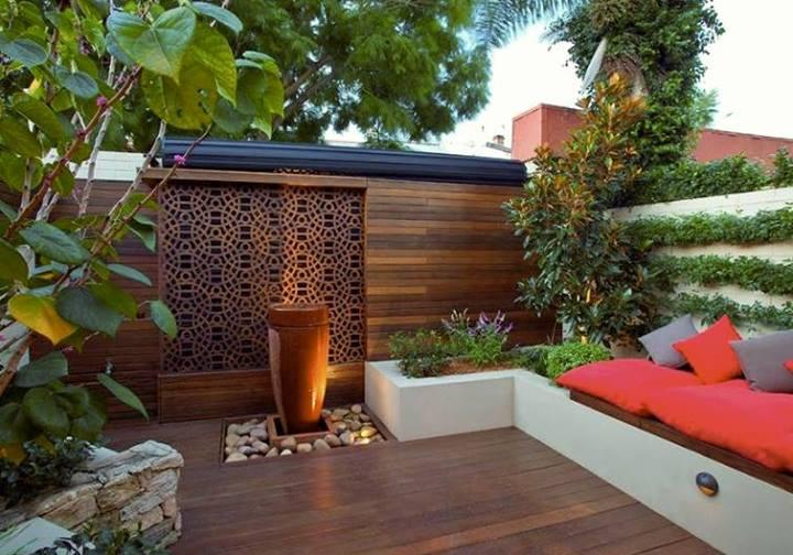 Deck de madera for Barda de madera para jardin